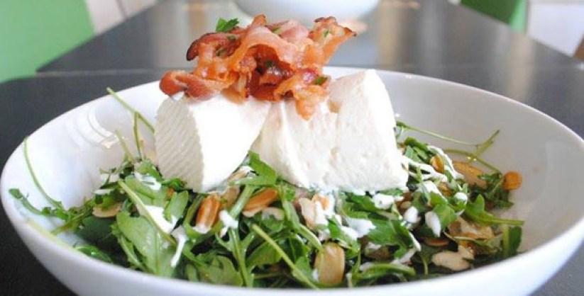 hansi salsicharia vienense lisboa cais do sodre salada