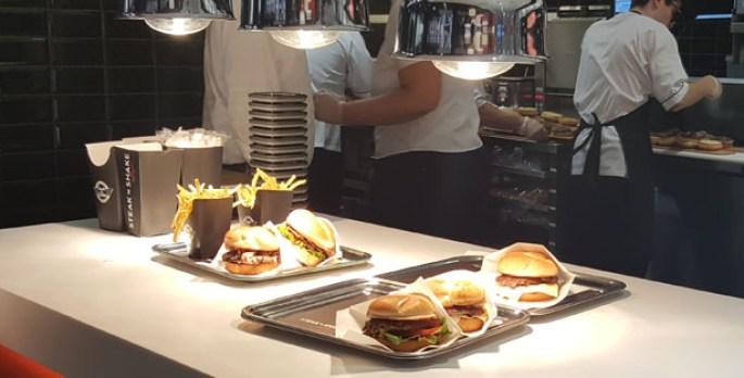 steak 'n shake hamburgueria dinner burgers milkshakes forum montijo burgers