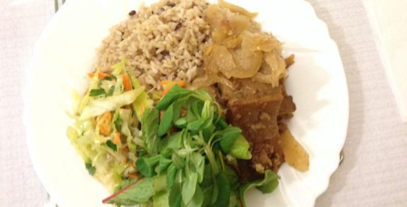 planeta-bio-restaurante-vegetariano-praca-da-alegria-lisboa-seitan-de-cebolada