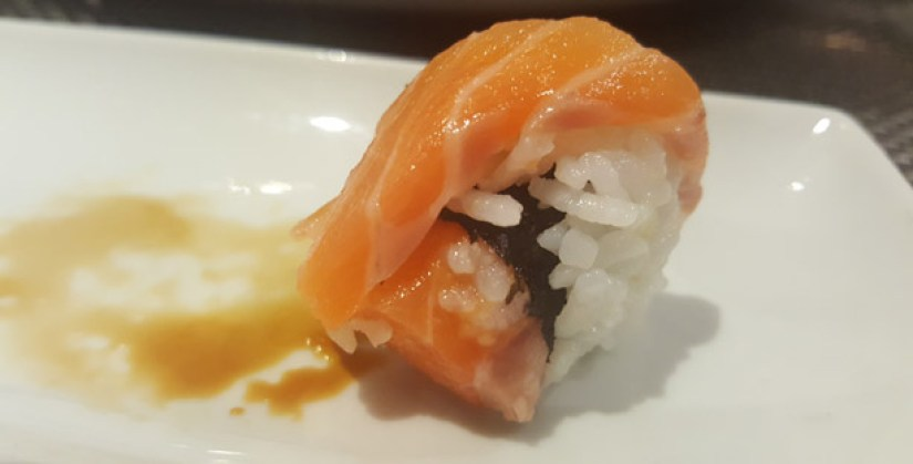 harkos-restaurante-japones-italiano-sushi-sashimi-sintra-rolo