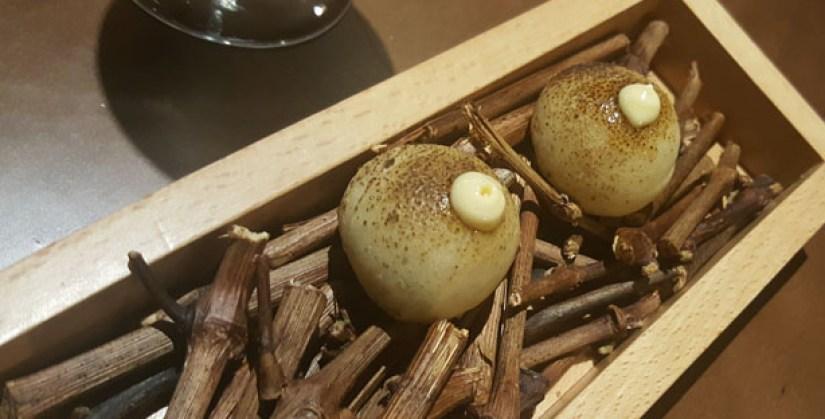 loco-chef-alexandre-silva-restaurante-sofisticado-menu-degustacao-momentos-estrela-lisboa-pao-com-chourico