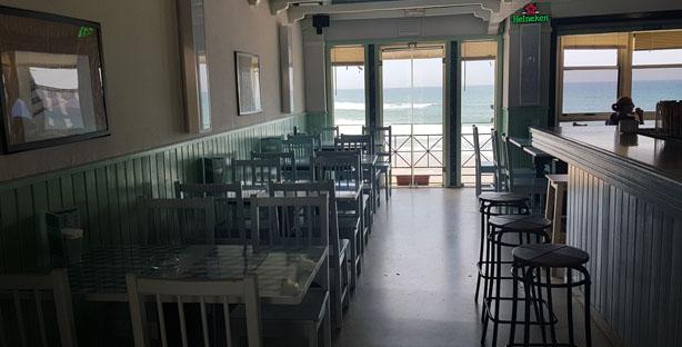 barmacia restaurante petiscos comida portuguesa praia das maças colares sala2