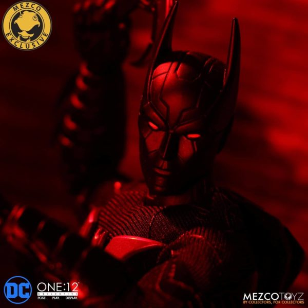 mezco-one12-collective-batman-beyond-10