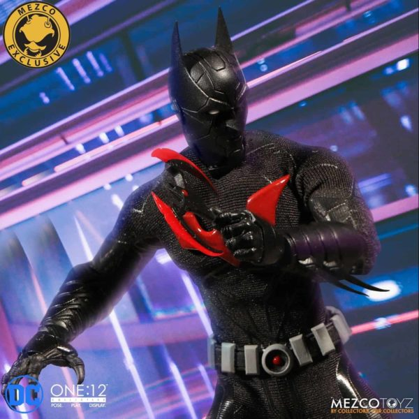 mezco-one12-collective-batman-beyond-13