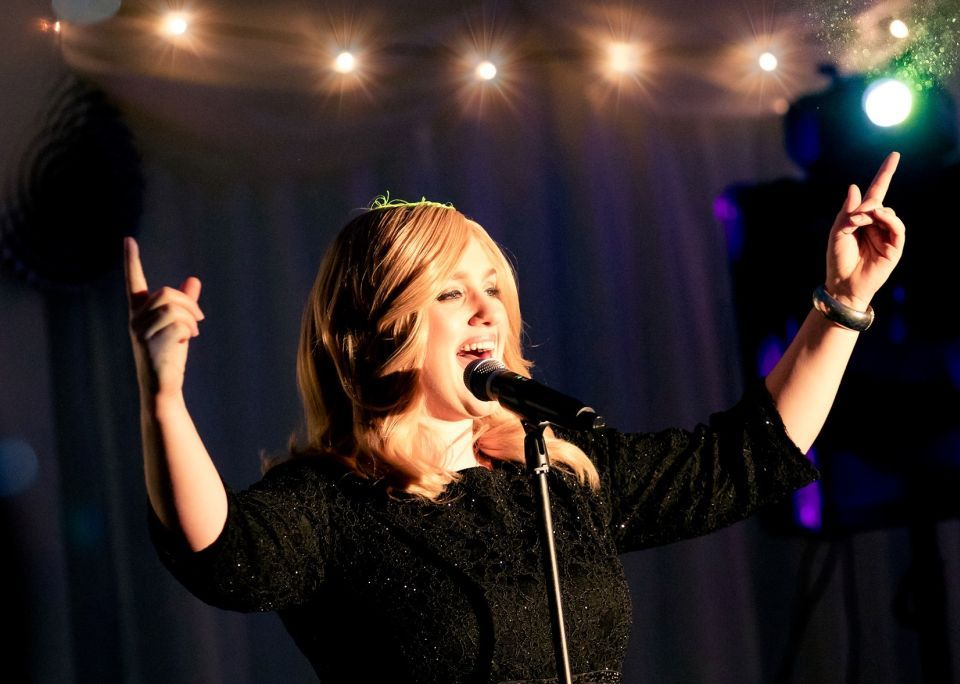 Adele Tribute Act KT