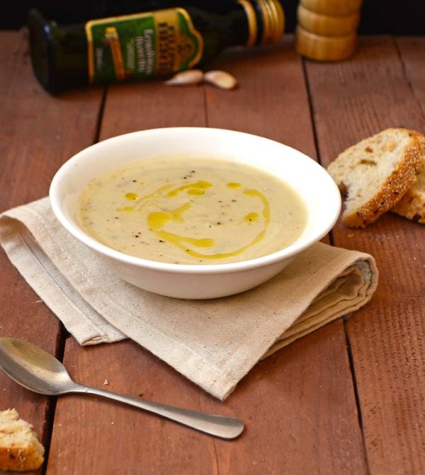 vegan-cauliflower-rosemary-soup-1