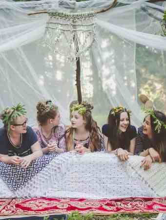 HOW TO THROW A FESTIVAL CHIC BOHO CAMPING PARTY!
