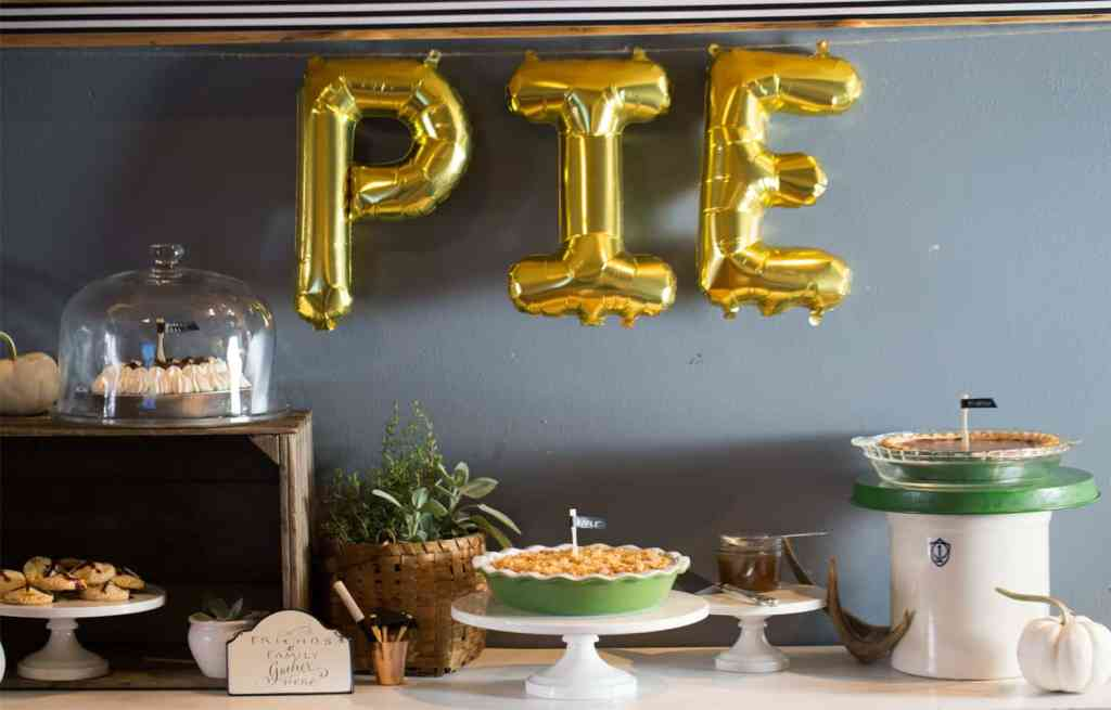 Fall Wine and Pie Party #ad Fall Thanksgiving wine and dessert table pie bar #TurkeyDayTips #CollectiveBias