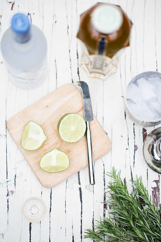 holiday gift idea make a simple fresh DIY cocktail kit gift box #GiftAndShare #CollectiveBias #ad