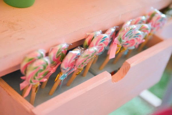 Lilly-Pulitzer-Party-Theme_11
