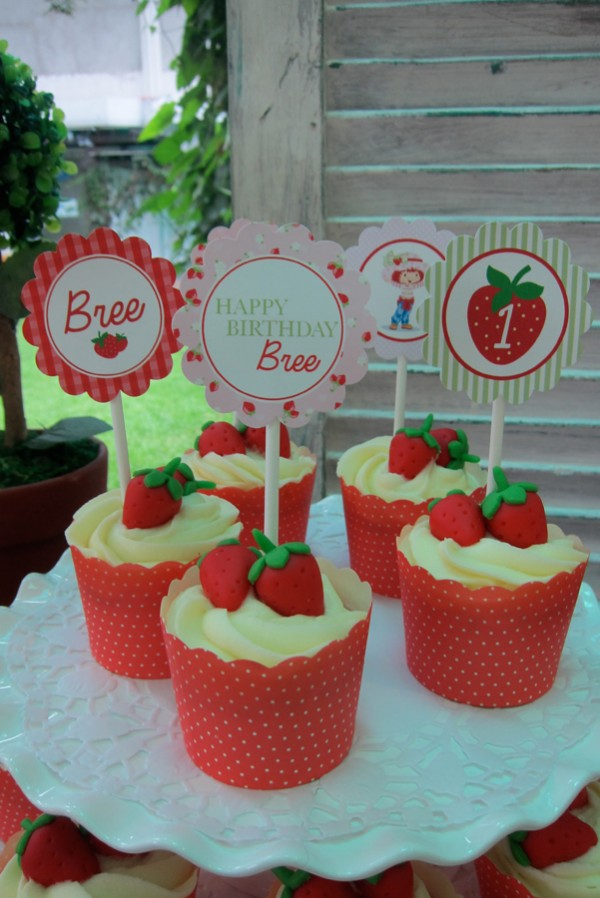 Strawberry-Garden-Party-Theme_13