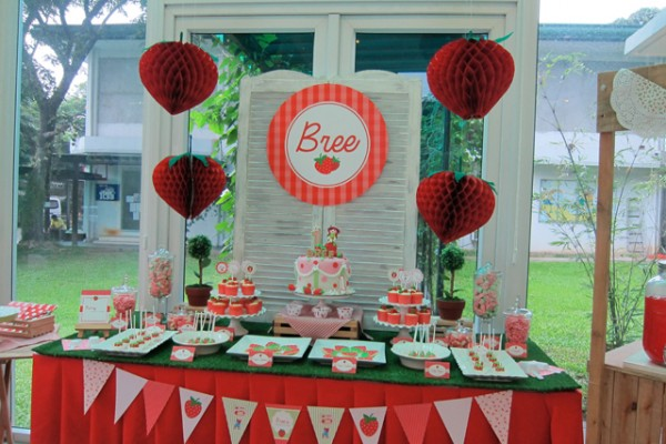 Strawberry-Garden-Party-Theme_18