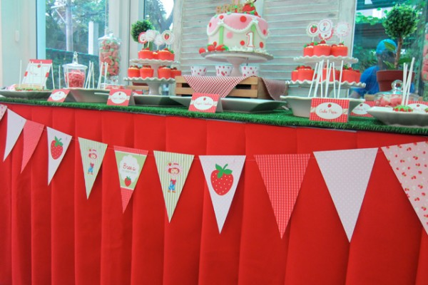 Strawberry-Garden-Party-Theme_20