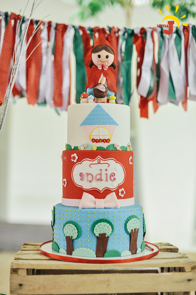 Little Red Riding Hood Birthday Party - 23