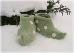 Make Your Own Elf Slippers!
