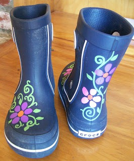 Homemade Spaghettios, DIY Painted Boots, and Some Fabulous Sewing Tutorials