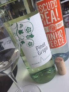 Escudo Vinho Verde Co-operative wine