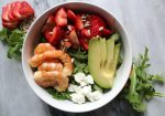 Strawberry and shrimp salad with rosé dressing