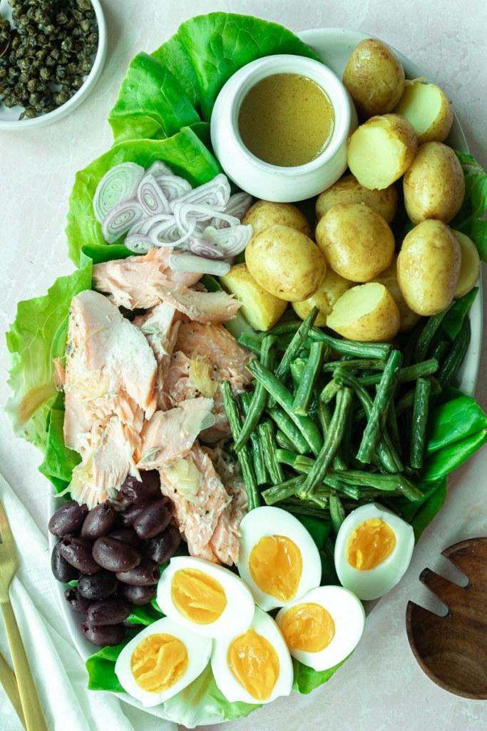final platter of niçoise salad with salmon