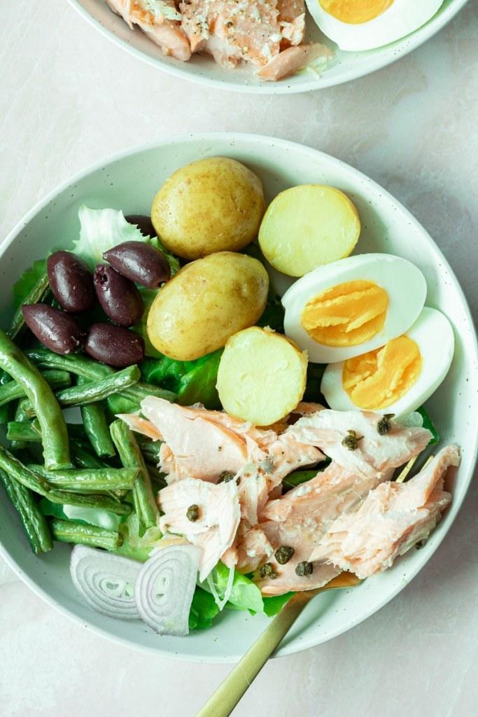 salmon niçoise salad in bowl