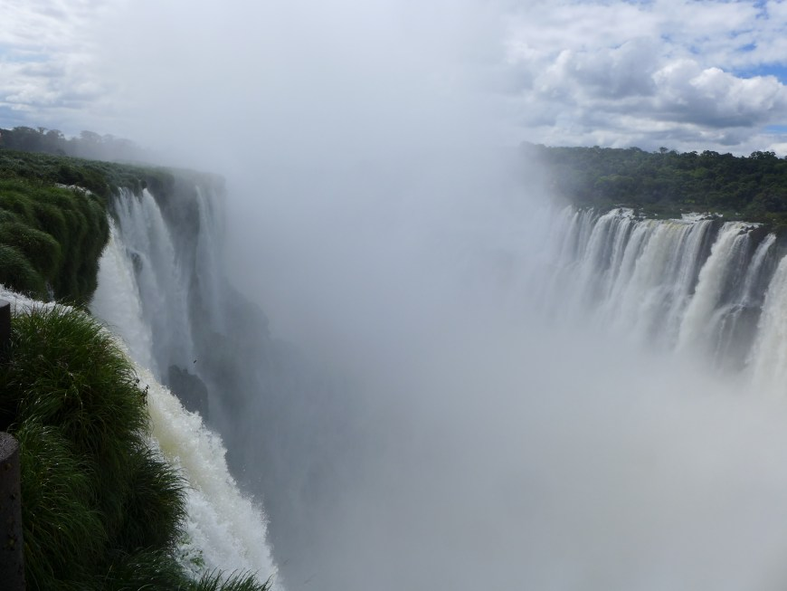 See everything first & save the Devil's Throat for afternoon at Iguazu Falls. Tips for seeing everything the best way possible!