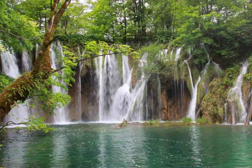 Plitvice Lakes National Park is a natural wonder in Croatia | Tips for visiting