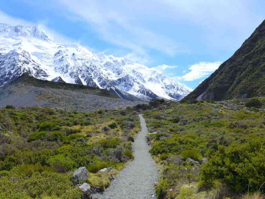Hooker Valley track, perfect hike in New Zealand, half day, good for most fitness levels