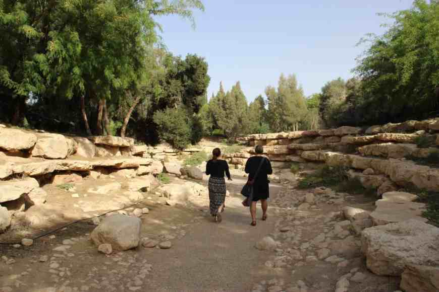 Tips of driving through southern Israel from Tel Aviv to Eilat, where to stop and what to see