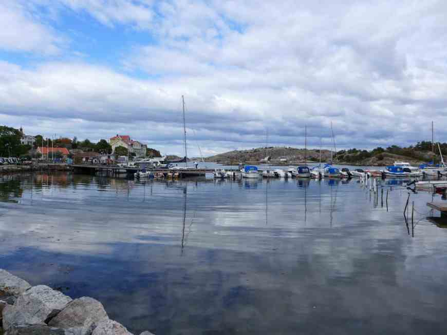 Lunch on beautiful Styrso, in the Gothenburg archipelago | Why renting a sailboat (with captain!) on Airbnb was the absolute best way to visit Gothenburg. Sailing the archipelago was one of the best trips I've ever had! All about our amazing trip and how to plan your trip to Gothenburg! #sailing #airbnb #sweden