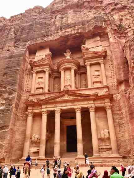 20+ Petra travel tips, the ultimate first-timer's guide to Petra | How to plan a self-guided visit to Petra, Petra trip planning tips, how to visit Petra, what to do in Jordan, Petra travel guide, travel tips for Petra, where to stay in Wadi Musa #petra #jordan #bucketlist