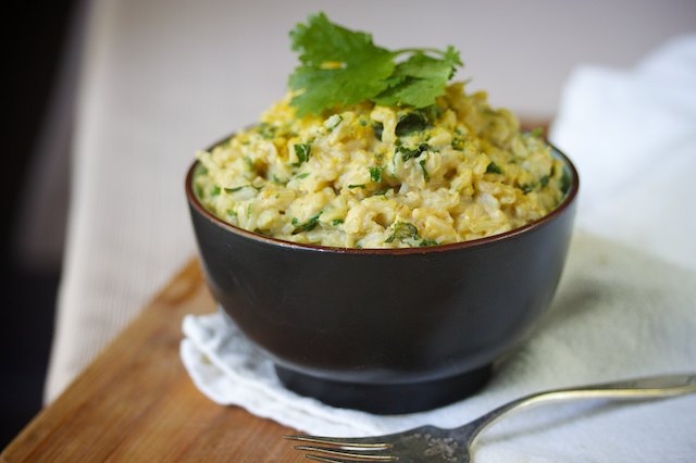 Cheezy Spinach & Cilantro Rice vegan recipe