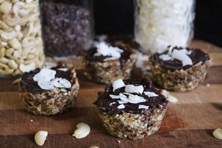 15 decadent raw vegan no bake dessert recipes one green planet recipe raw carob caramel cups forumfinder Image collections