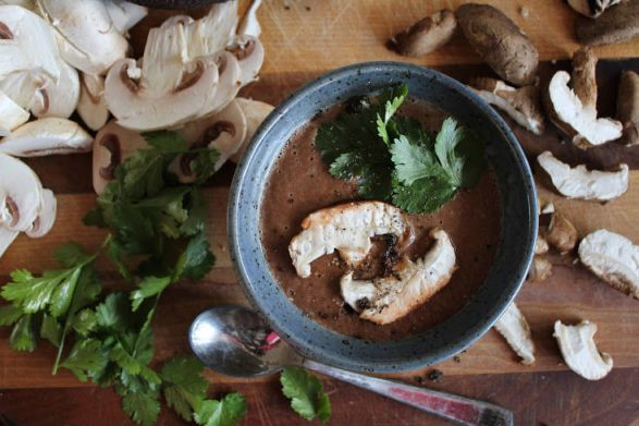 Recipe: Raw Creamy Mushroom Soup with Avocado + Miso