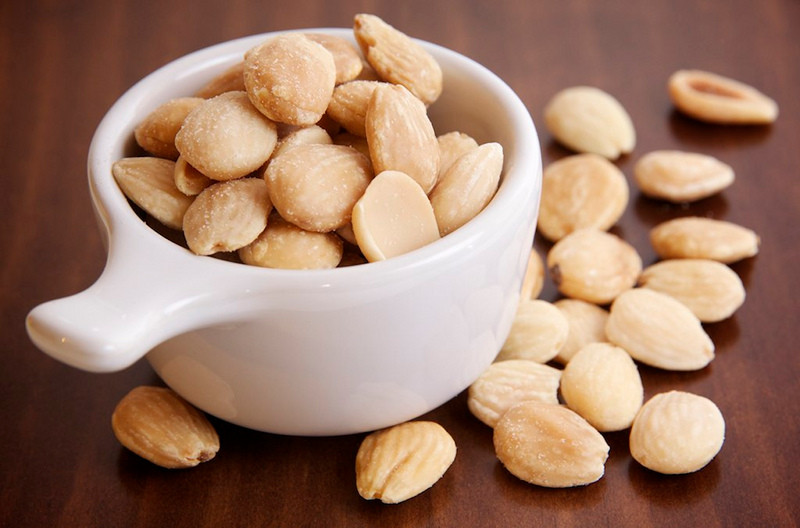 10 Amazing Recipes Infused with Almonds