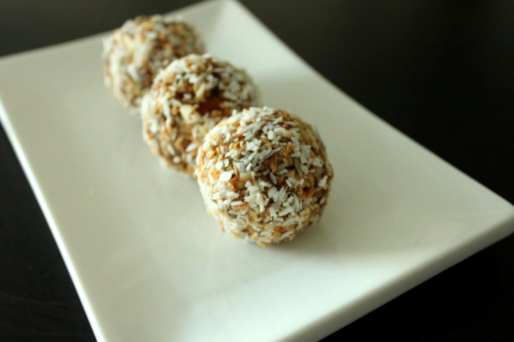 Yogi-Date-Balls
