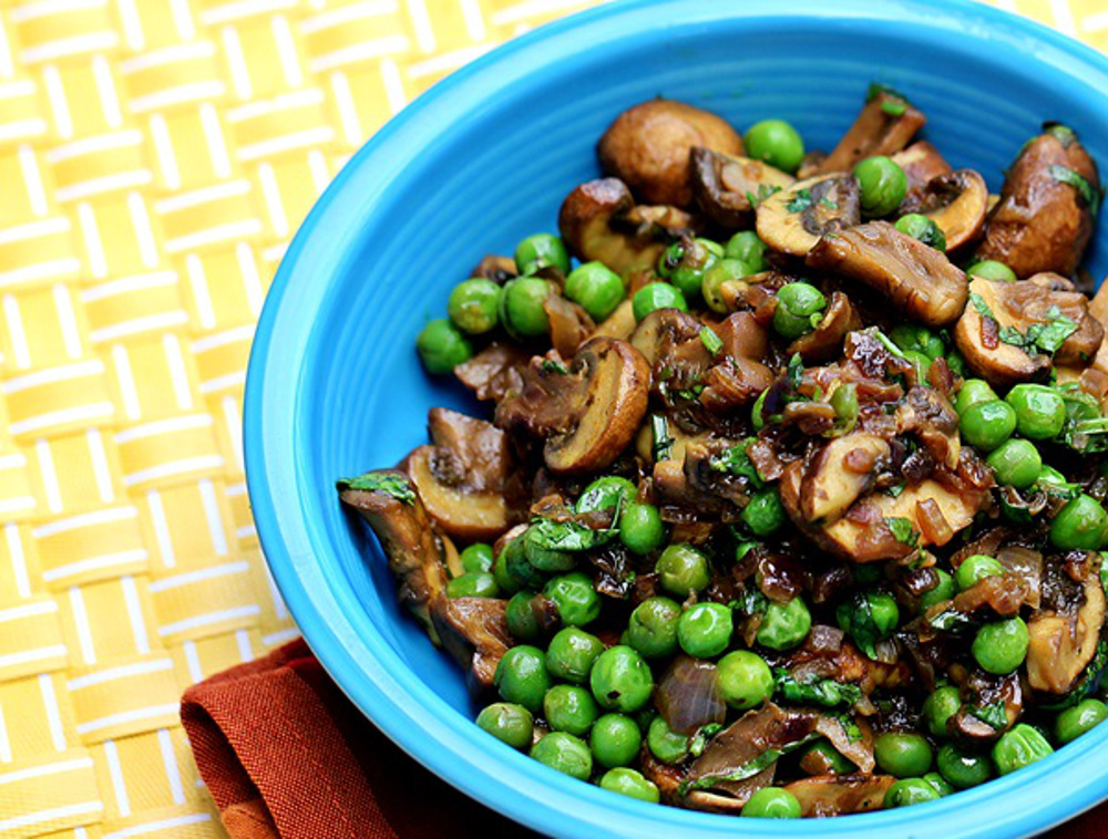 Mushrooms-with-Green-Peas