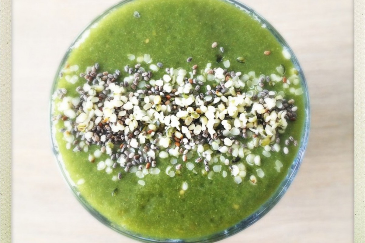 Green-Superfood-Detox-Smoothie--1200x800 (1)
