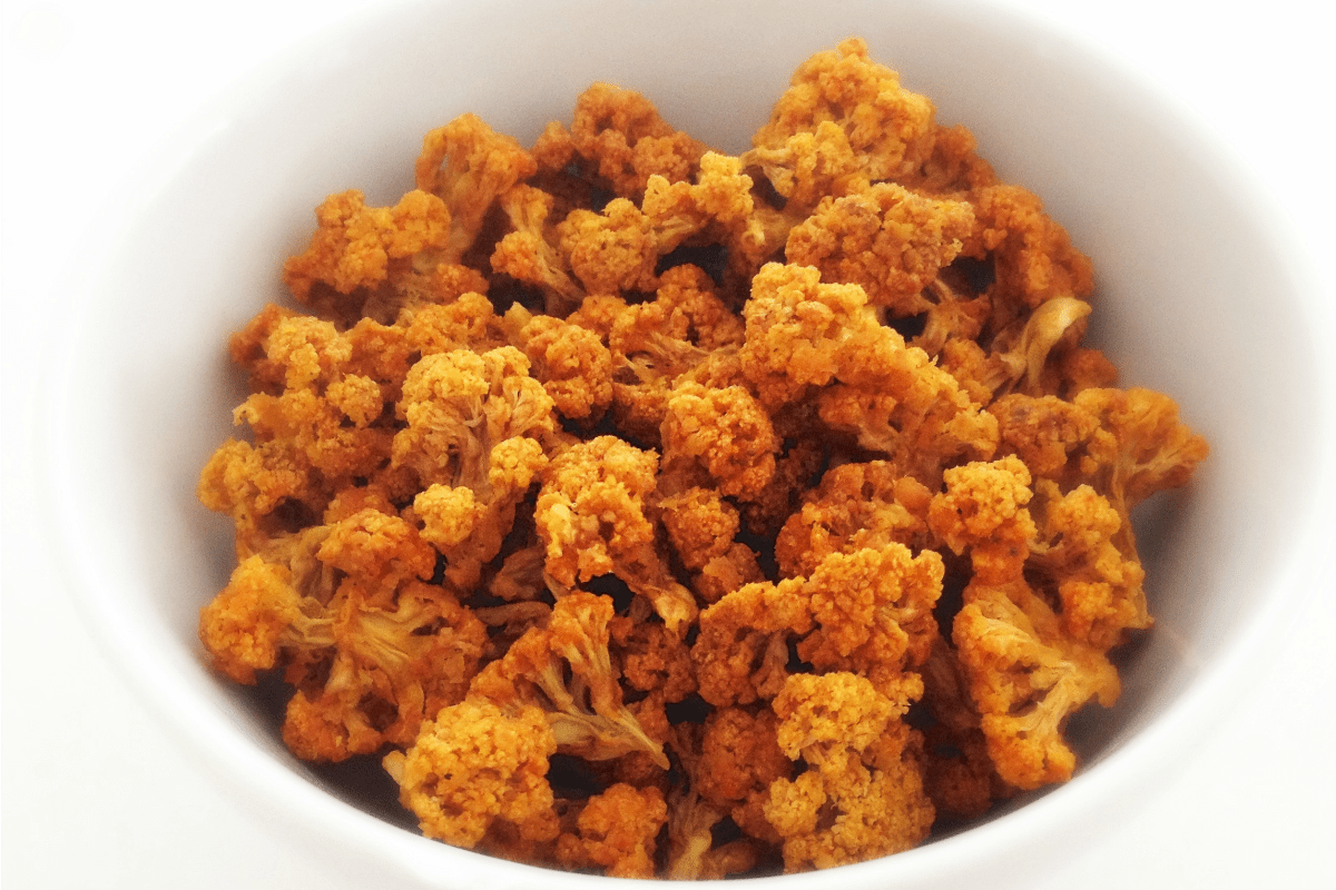 Cheesy Cauliflower Popcorn [Vegan, Raw, Gluten-Free]