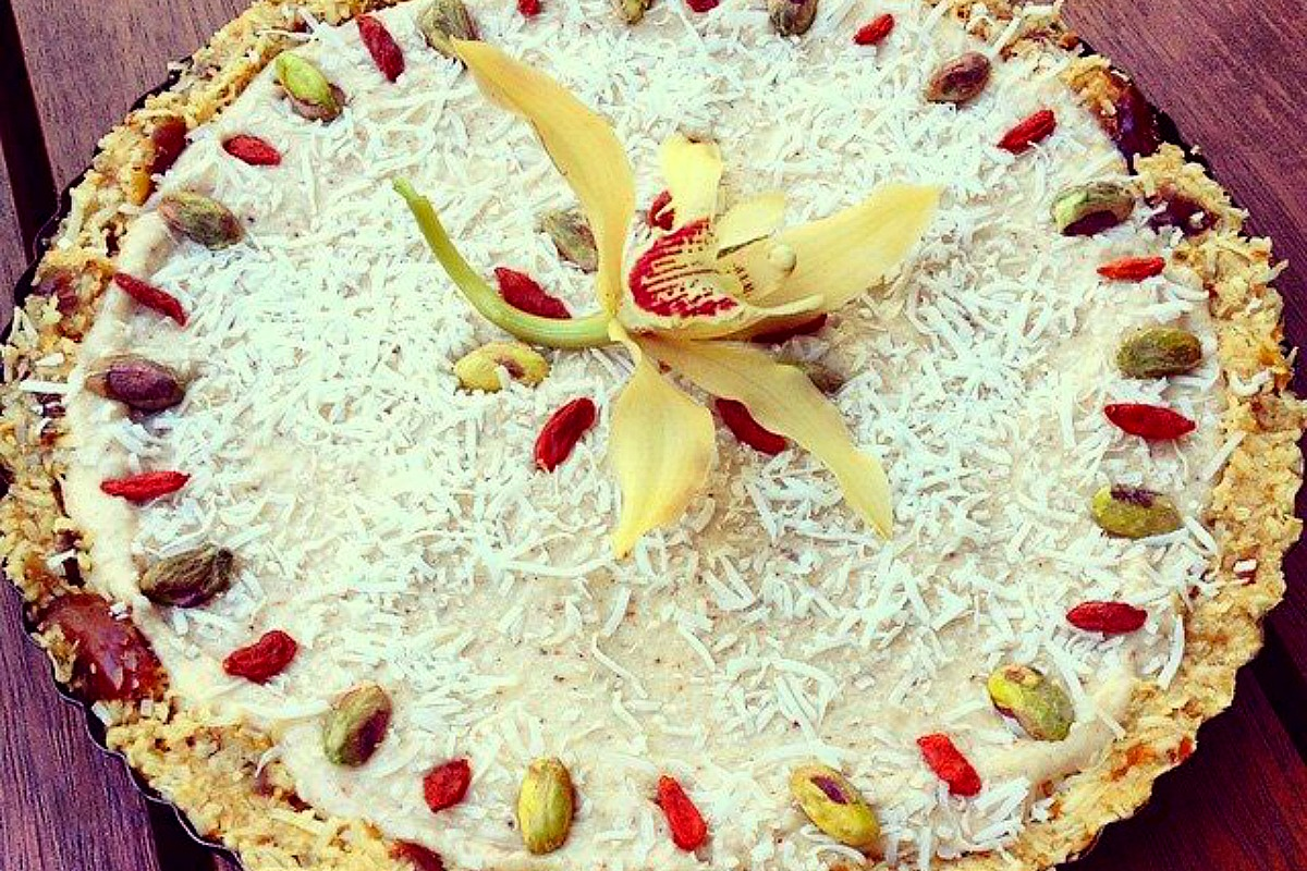 Lemon, Coconut and Vanilla Tart [Vegan, Raw, Gluten-Free]