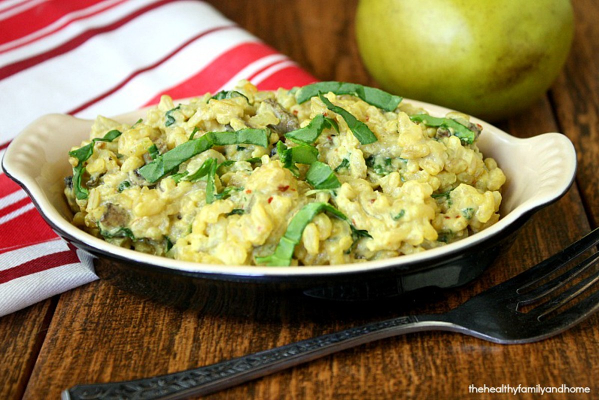 Cheesy-Sprouted-Brown-Rice-with-Baby-Spinach-and-Mushrooms-1198x800 (1)