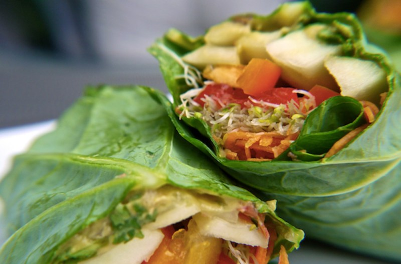How-To-Make-Raw-Vegan-Collard-Wraps (1)