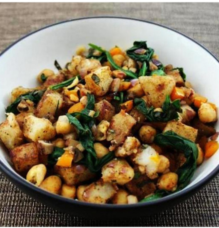 Warm-Potato-Salad-21-e1397103353159-768x800 (1)