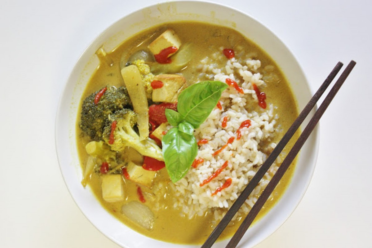 Curry-With-Tofu-and-Grilled-Vegetables-1200x800 (1)