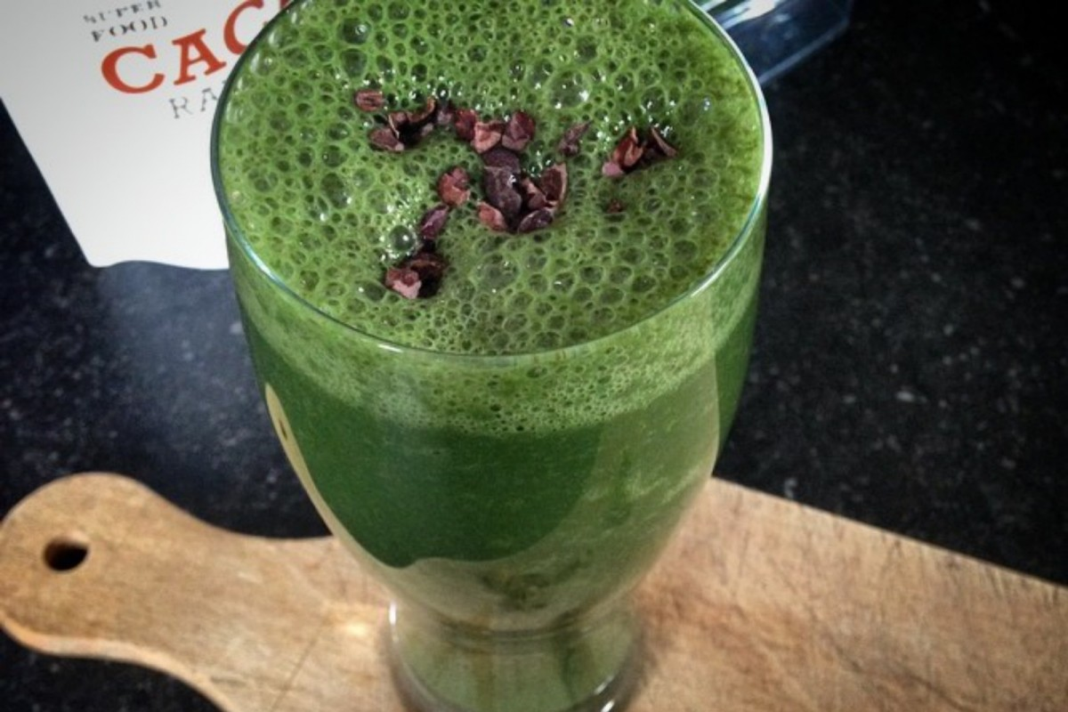 The-Ultimate-Spirulina-Smoothie-1200x800