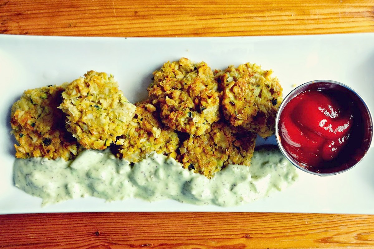 'Crab' Cakes With Green Tartar Sauce [Vegan, Gluten-Free]