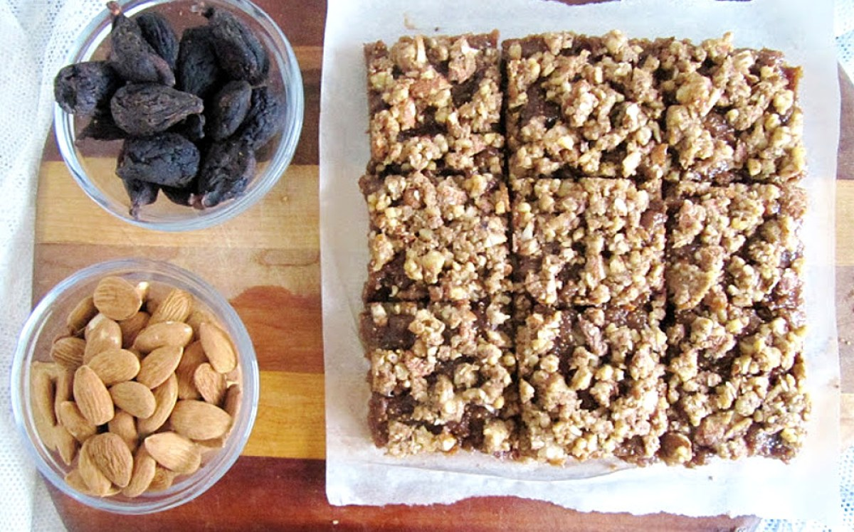 Raw-Vegan-Almond-Fig-Bars-1200x748
