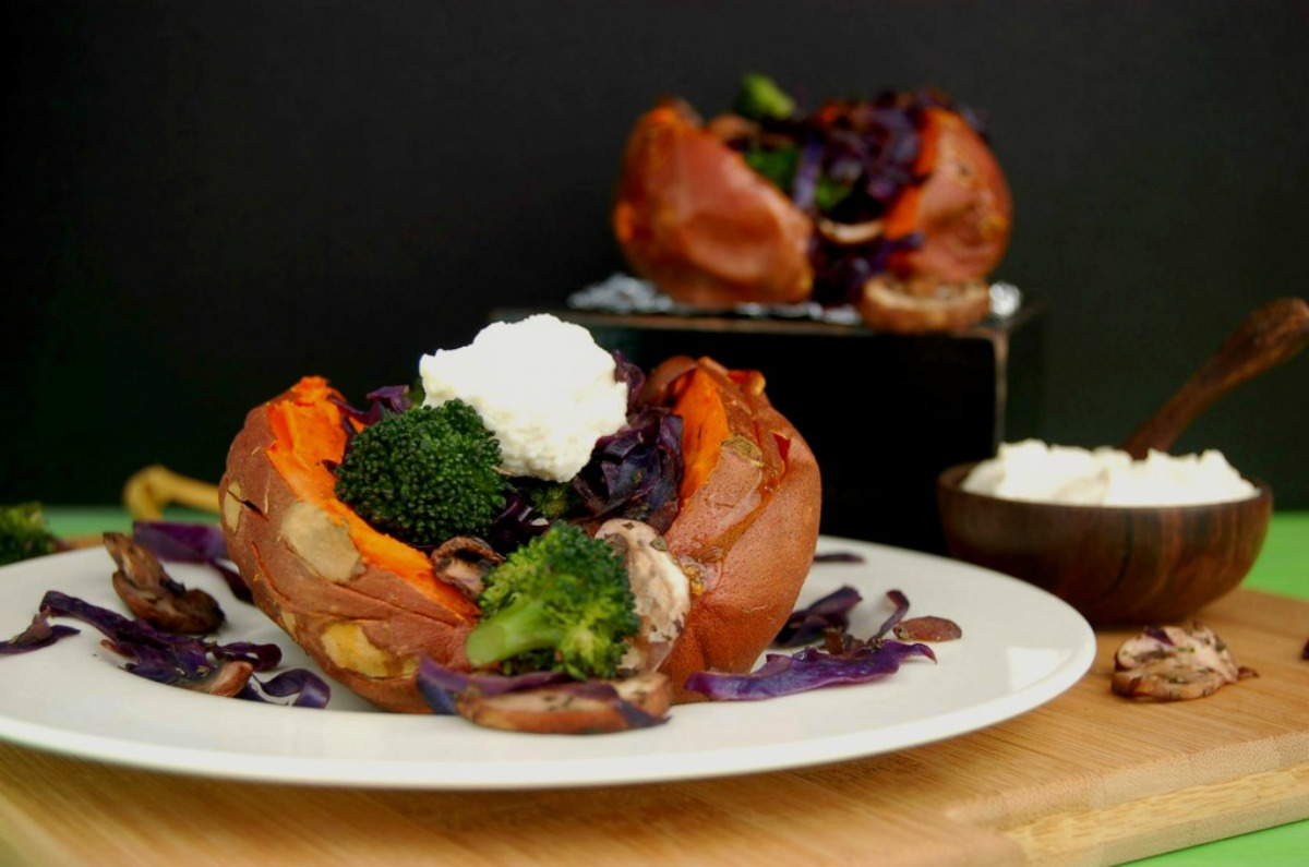Baked-Sweet-Potatoes-with-Veggies-and-Cashew-Cauliflower-Cream_Whole-Scene-1024x678