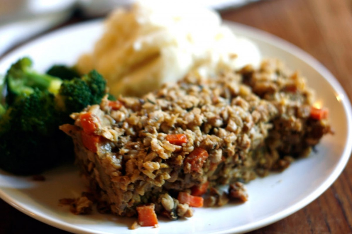 Country-'Meatloaf'-with-Gravy-Vegan-1200x798