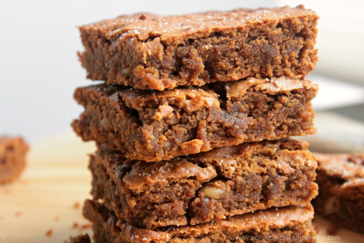 Cinnamon Chickpea Blondies [Vegan, Gluten-Free]
