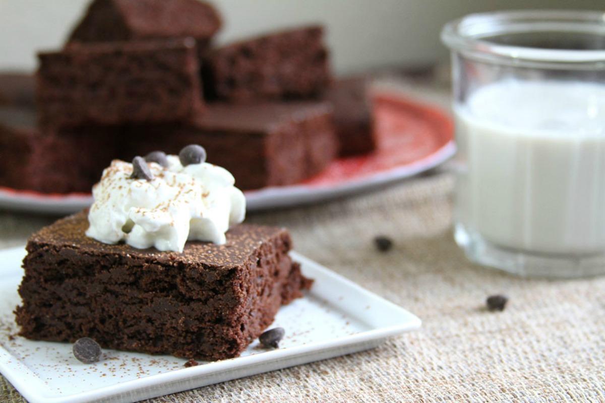 Chocolate Einkhorn Cake [Vegan]